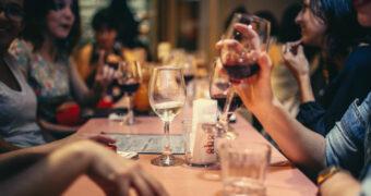 De beste wijndeals week #18: vier Bevrijdingsdag met de lekkerste wijnen voor een prikkie