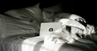 Slapeloze nachten? Deze Netflix series helpen je om in slaap te vallen