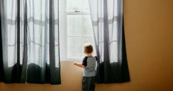 Simpele manieren om meer licht in huis te creëren