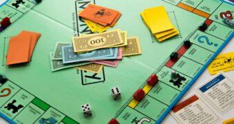 Zo maak je van Monopoly een gezellig drankspel