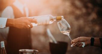 Ervaar hoe het is om mee te doen aan First Dates tijdens het Amsterdam Wine Festival