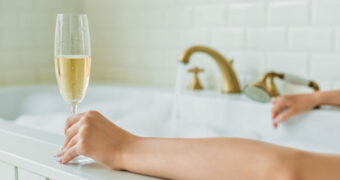 Champagne is de sleutel tot een lang leven volgens een vrouw van 108