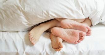 Betekenen grote voeten nou écht een grote penis?
