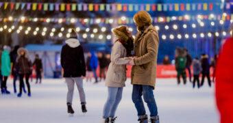 Dit wil je niet missen: Een silent disco op schaatsen