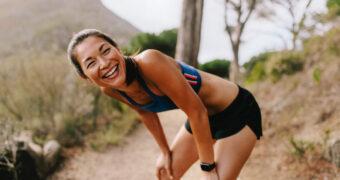 Waarom je gelukkiger wordt van sporten dan van geld