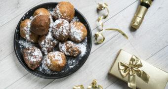 Dé snack die absoluut niet mag ontbreken tijdens oud en nieuw: de Holy Moliebol