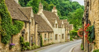 Deze 10 prachtige Engelse dorpjes wil je absoluut een keer bezoeken