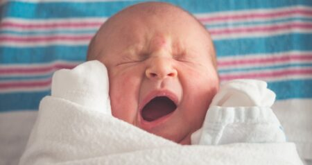 baby stoppen met huilen FEM FEM
