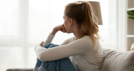 Na de pil blijkt nu ook het hormoonspiraaltje ongewenste bijwerkingen te hebben FEM FEM