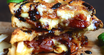 bacon brie tosti